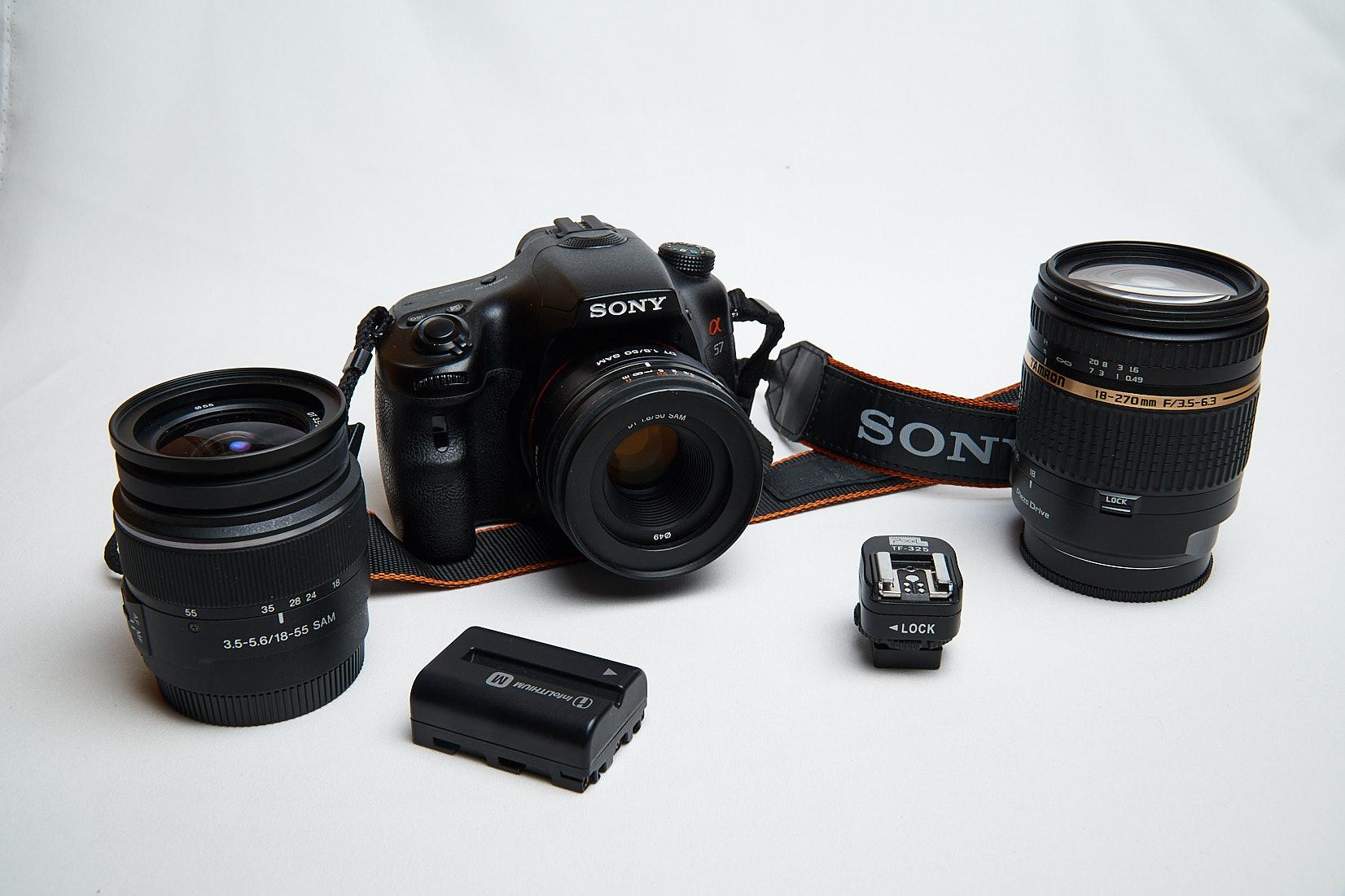 Sony-Alpha 57-Tamron 18-270-Blitzadapter-SAL 50mm f1.8